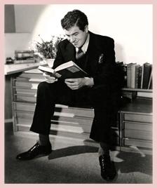 Lionel Stander, reading, ca. 1936
