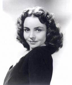 Myra Marsh as Richard's Mother