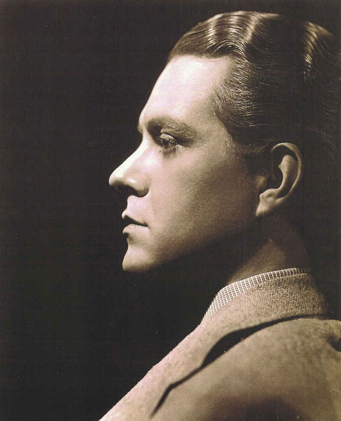 THE ELECTRIC HOUR WITH NELSON EDDY