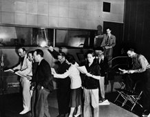 Welles rehearses Mercury Theatre for its next play the day after The War of The Worlds broadcast, Oct. 31, 1938