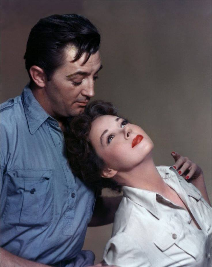 Robert Mitchum and Susan Hayward in 'White Witch Doctor'