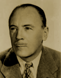 Roland Young appeared as William in a weekly 'William and Mary' skit for the first twenty-six weeks