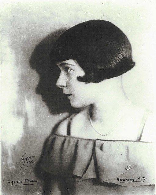 Sylvia Froos in
