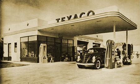 Walter Teague-designed Texaco Service Station circa 1940