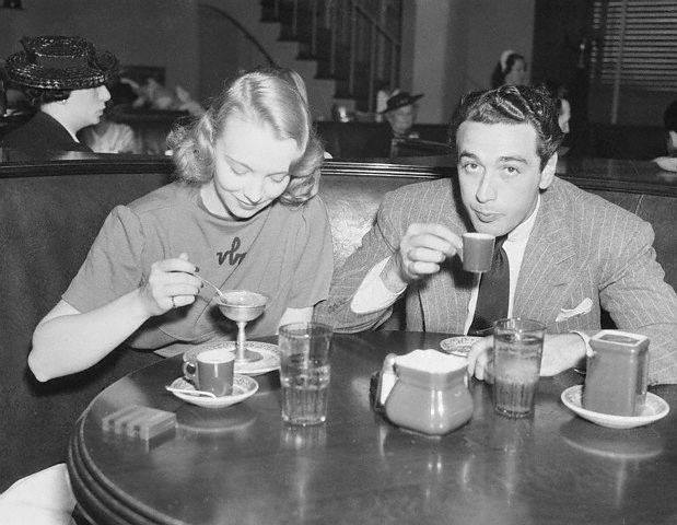 Actress Virginia Bruce with agent, movie producer Pat Di Cicco at the Brown Derby in 1937.